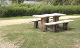 There are picnic benches here