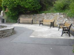 Seating area at highest point of Jubilee Gardens