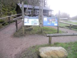 A small visitors centre is located at the far end of the car park.