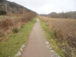 The trail can be followed in either direction around the Loch.    Taking a left and going in a clockwise direction(with the Loch on your right-hand side) is the most accessible section of the path.