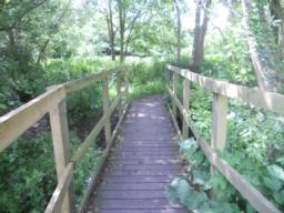The width of the boardwalk is 1.10m