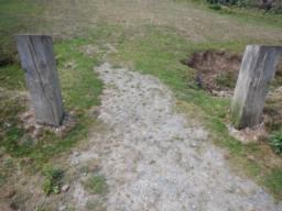 entrance to path from car park 1100mm wide