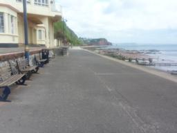 If you wish to extend the walk, continue along the promenade towards Dawlish.