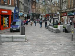 The pedestrianised city centre. This area offers cafes, food outlets, public telephones, seating, information boards and ATMs.