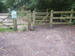 Route starts through kissing gate off the car park. Level entrance.