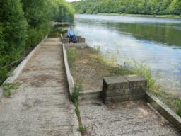 Accessible fishing platforms; three available depending on water levels.