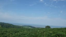 There are now good views of the coast, the Bristol Channel and Wales to the north.