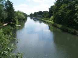 Good views south along the navigation are available from the bridge