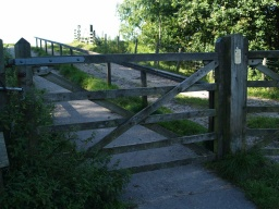 The gate to the walk opens one way only - uphill. The latch is on the uphill side and may be difficult to reach from the car park side. Make sure you will be able to open the gate from the other side before letting it close.Beware of the nettles.