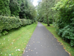 A long straight section of path leads back towards the Castle and the car park.