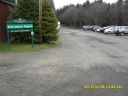 The Glen Trail starts and ends at the car park next to the Forestry Commission for Scotland's Blairadam depot at Ordnance Survey Grid Reference NT129946