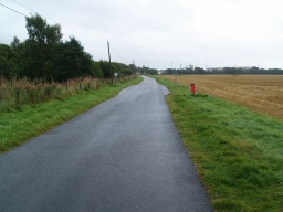 The trail is also used by cyclists and horse riders. Farm traffic uses the route from time to time