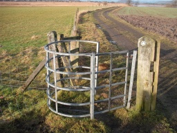 The kissing gate has a gap of about 620mm.