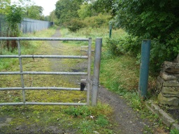 There is a 800mm gap next to the kocked gate.