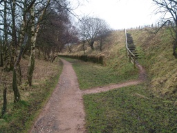 Some local paths and bridleways link to the trail.
