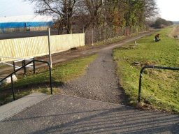 The stone path to the continuation of the tow path has a gradient of 10% (1 in 10) but a short section at 14% (1 in 7) on a uneven surface.