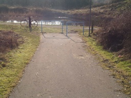 The slope of the ramp to the canal tow path is less than 8% (1 in 12).