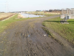 There is a muddy area before the bridge over lock 3.