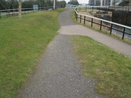 Join the canal by a path with some loose stones and a gradient of 12% (1 in 8) for 5m.