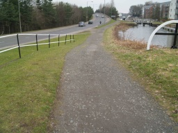 The slope down from the lock has a gradient of 14% (1 in 7).