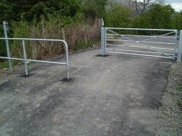 The barriers approaching the local road to Tillicoutry have wdie gaps (1.2m+).