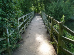 The causeway links the Kingfisher trail to the return leg of the Lakeside Stroll