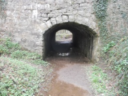 The tunnel leads to the incline. Access from here is much more difficult and involves a sustained and steep hill, unsuitable for wheelchair users.
