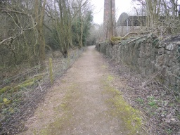 The path widens to 2.8m and is well maintained in this area.