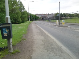 Turn left at the junction with Station Road (B920). The pavement is tarmacked but very uneven to the bridge.