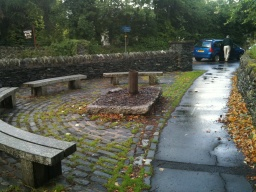 More seating is available, although some visitors may find that the cobbled stones are restrictive.