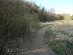 The condition of the path improves along this section of the trail. Constructed with well-compacted stone, the path is 1.6m wide.