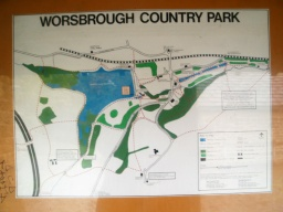 The map shows paths and features of interest around the country park.